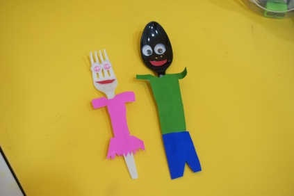 J.J first spoon dolls of daddy and mommy